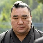 日馬富士が引退で白鵬が話した事とは?過去に不祥事で引退した横綱は?